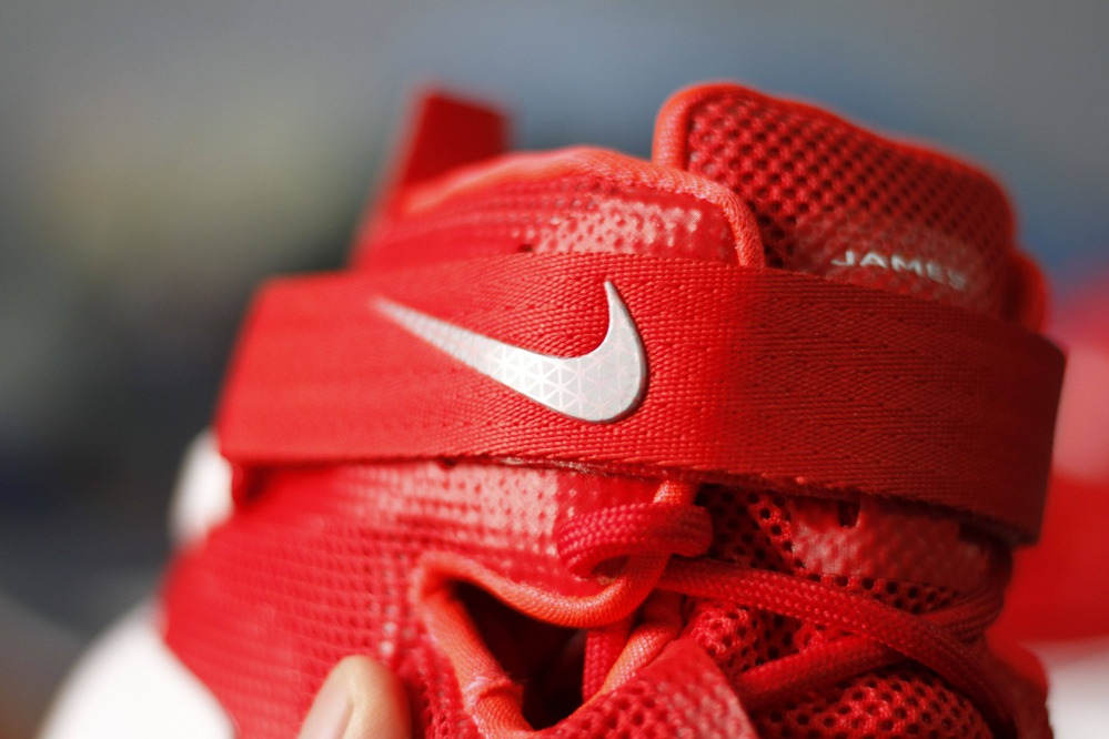 giày bóng rổ soldier 9 logo nike