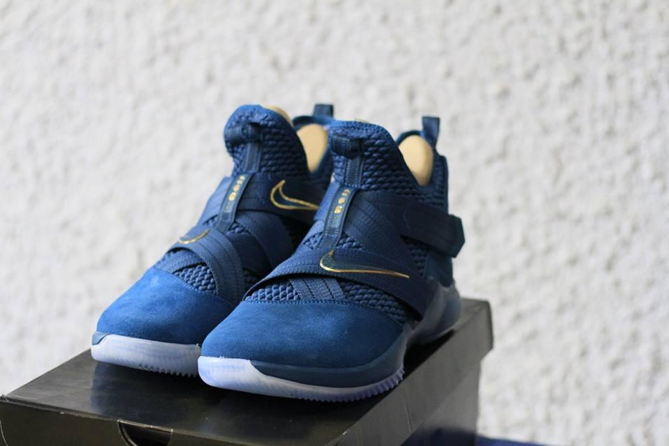 giày bóng rổ Nike soldier XII