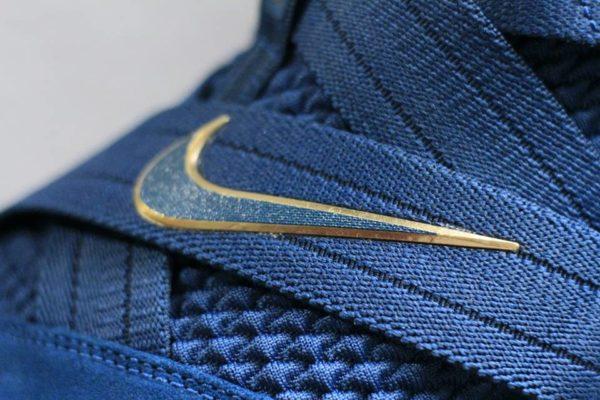 ogo Nike giày bóng rổ Nike Lebron soldier 12