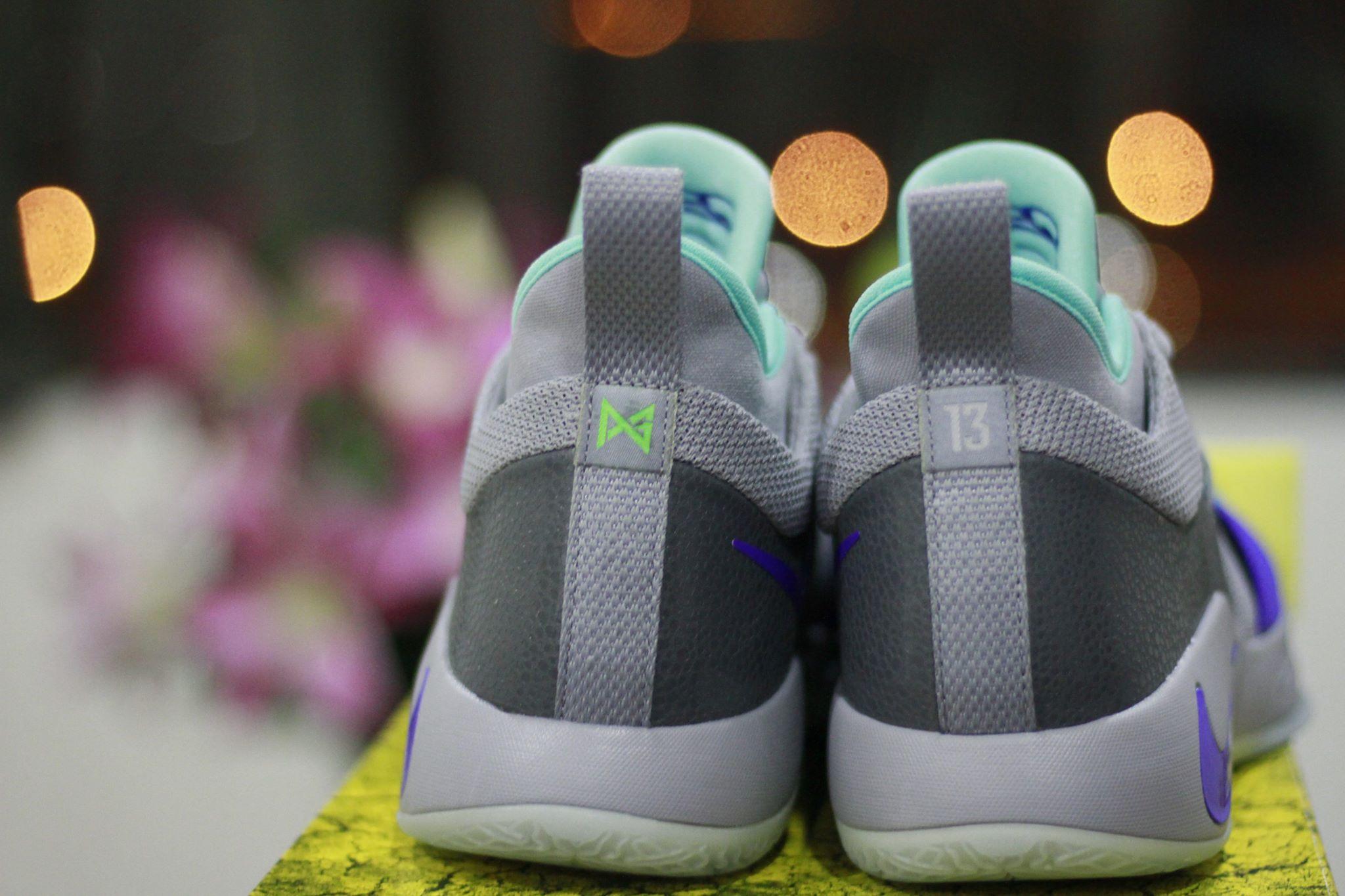 Nike PG 2 pure platinum heel
