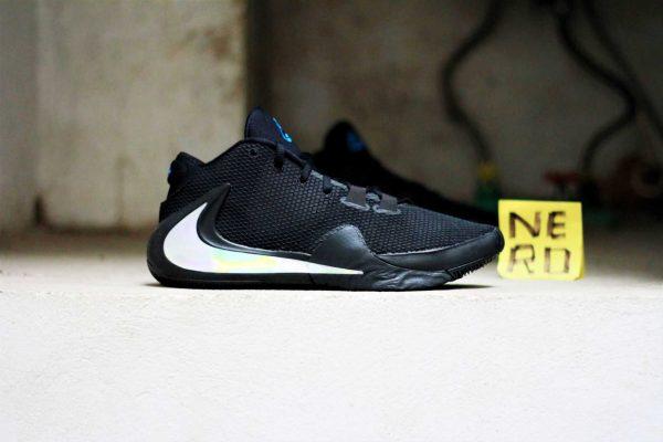 Giày bóng rổ Freak 1 Black Iridescent BQ5422 004